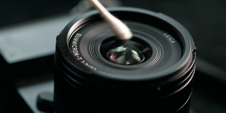 Objectif photo avec poussière - Comment le nettoyer ?